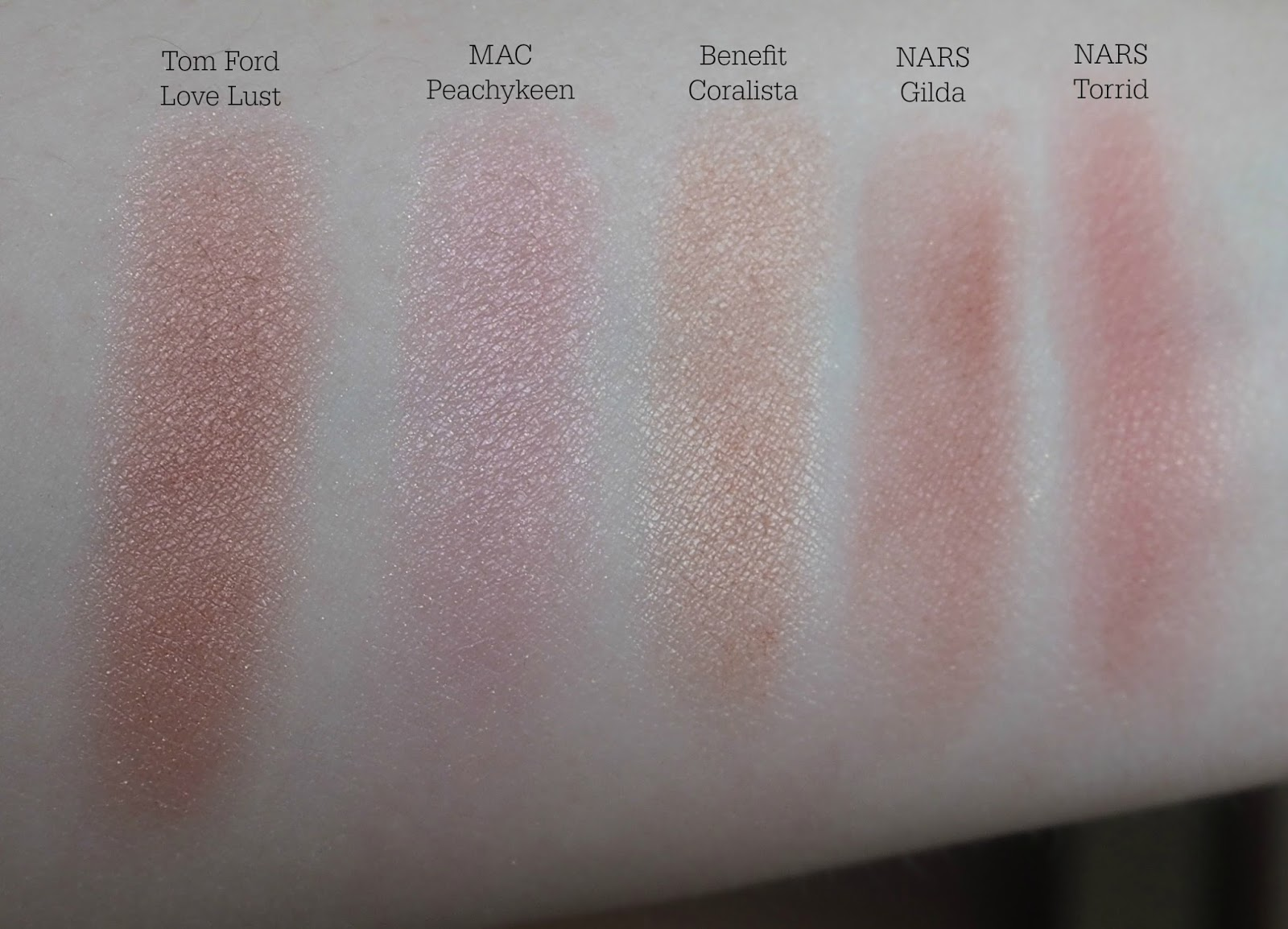 Tom Ford Cheek Color Blush in Love Lust compaison swatches
