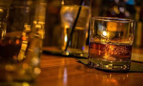 tragodia-nekros-15xronos-apo-ypervoliki-katanalosi-alkool