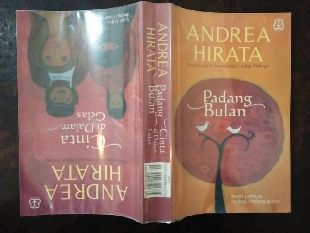 "Resensi Novel Dwilogi Padang Bulan ""Padang Bulan & Cinta di Dalam Gelas"""