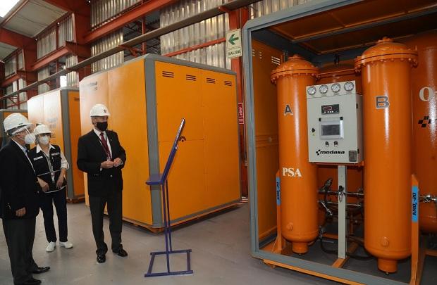 Presentan seis plantas de oxígeno fabricadas en el Perú