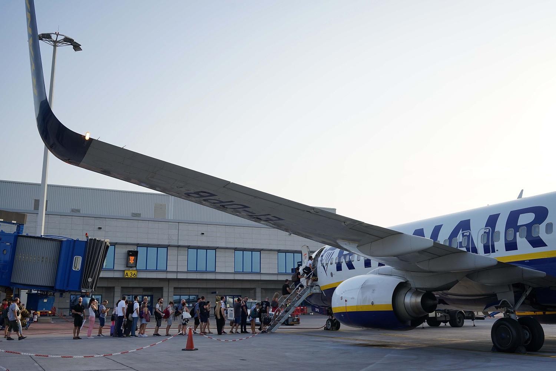 Καθηλώνει στα αεροδρόμια το 20% του στόλου της η Ryanair