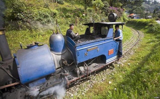 Labour strike halts steam-engine toy train services in Darjeeling
