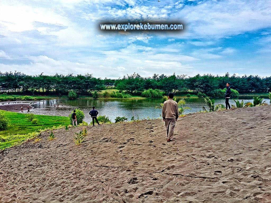 Pantai Lembupurwo Mirit Kebumen