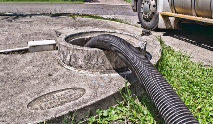 Limpeza e sucção e Esgotamento de fossa