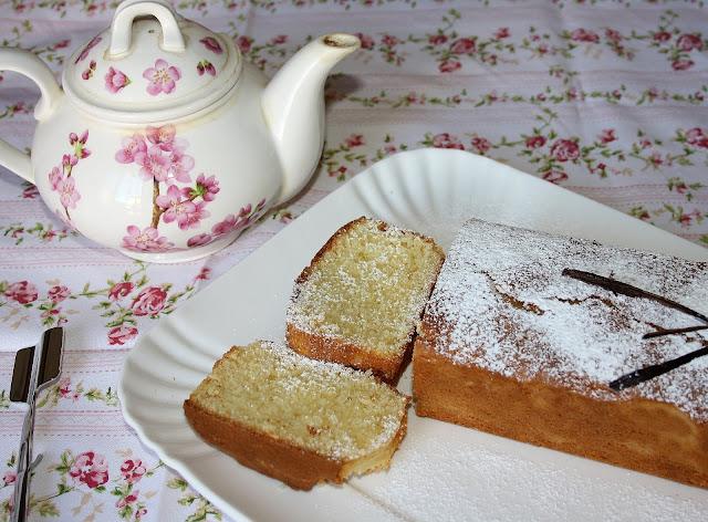 Cake mandorle e vaniglia