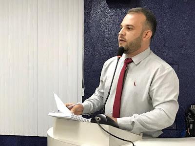 VEREADOR MAX DE ZÉ DE TOINHO ELENCA AÇÕES DA PREFEITURA E REBATE OPOSIÇÃO NA CÂMARA DE RIBEIRÓPOLIS.