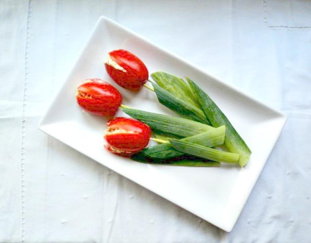 tomates-rellenos-tulipanes