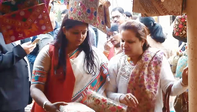 Cabinet Minister Kavita Jain reached Surjkund fair in Faridabad, observes and purchases