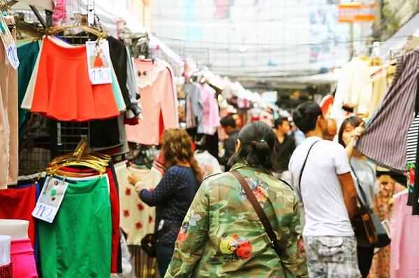 Thỏa sức mua sắm tại chợ Pratunam