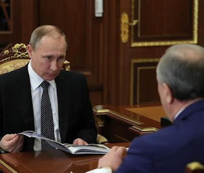 Vladimir Putin with Governor of the Saratov Region Valery Radayev.