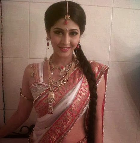 Sonarika Bhadoria Latest Hot Pics In Saree