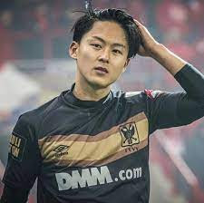 Lee Seung-woo Age, Wikipedia, Biography, Children, Salary, Net Worth, Parents.