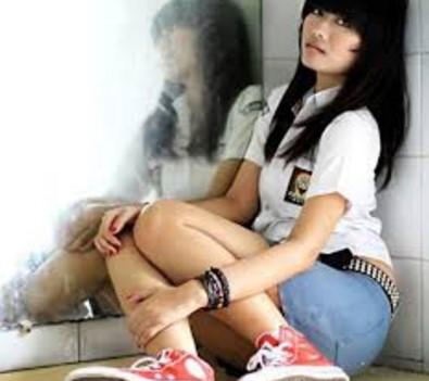 Foto Bugil Hot  Ngewe Memek Ngangkang Gadis SMU Bikin Ngiler 2016