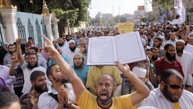 Sayyidina Utsman bin Affan, Korban akibat Aksi Demo Pertama dalam Sejarah