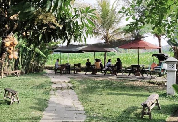 lokasi dan harga menu warung Kopi Klotok Yogyakarta