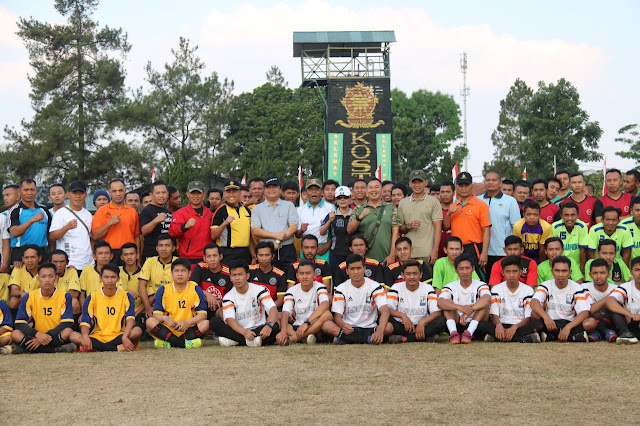"""Meriahkan HUT Ke-73 TNI Yonif MR 411 Kostrad Gelar Turnamen Bola """"Pandawa Cup"""""""