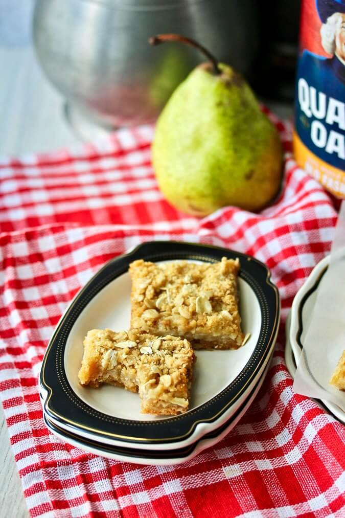 Oatmeal Pear Bars with brown sugar