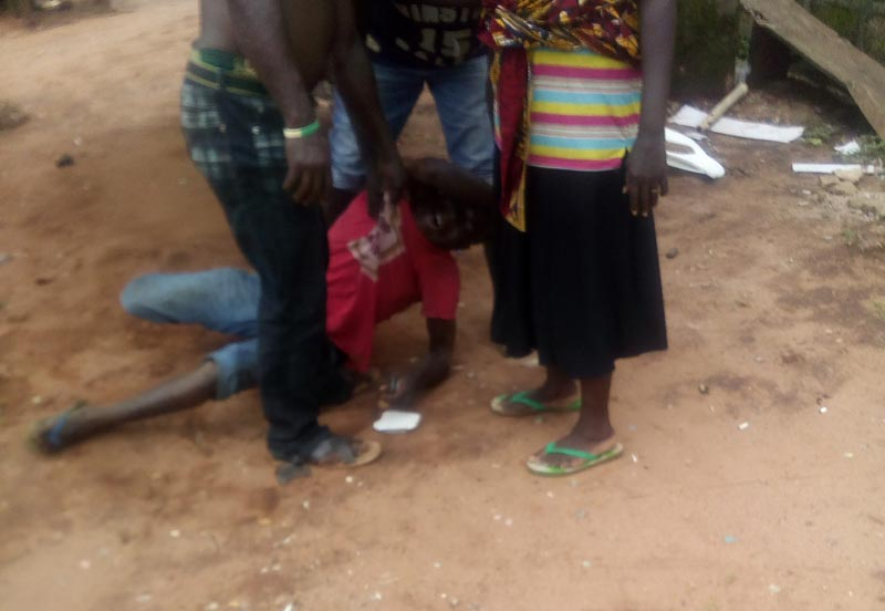 Bus conductor beaten to pulp by motopark touts in Asaba, Delta State