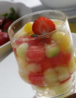 es coctail buah segar