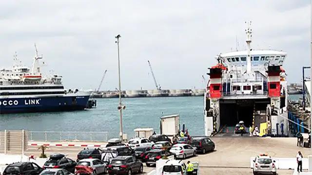 توقيف 5 أشخاص بميناء طنجة المتوسطي انتحلوا هويات مستخدمين من أجل الجهرة