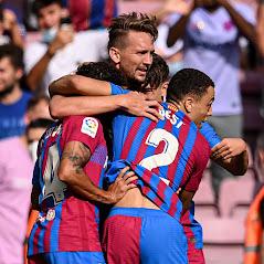 تغلب فريق برشلونة الإسباني على فريق ليفانتي الزائر بثلاثة أهداف في مباراة أقيمت على ملعب كامب نو