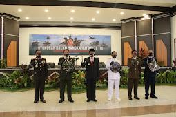 Agus Fatoni, Santos Matondang dan Forkopimda Sulut Ikuti Upacara Virtual HUT TNI ke 75