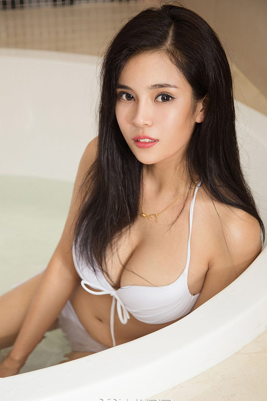 evert-topless-busty-asian-pinay-cocksuckers-free-vids