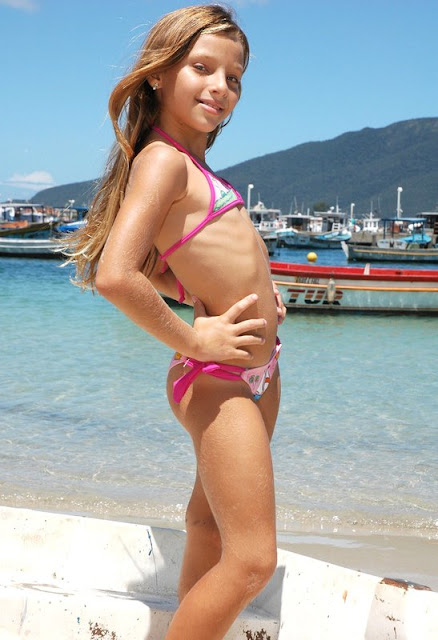 teen young girl candy
