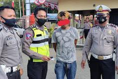 Anggota Satlantas Polres Bone Temukan Pengendara Bawa Sabu Saat Gelar Ops Rutin