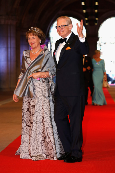 Queen Beatrix hosts her final dinner as Queen for members of the royal family