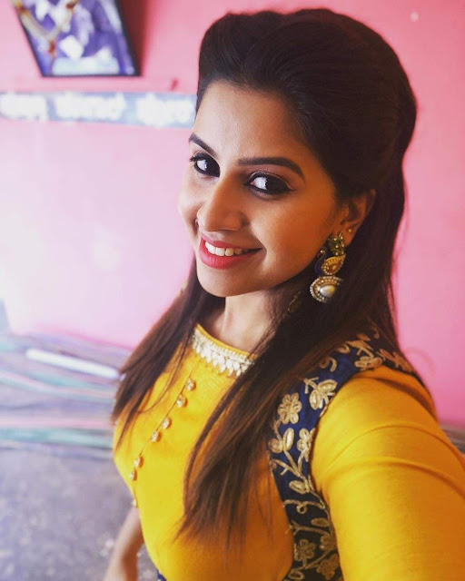 Anchor Anushree 9