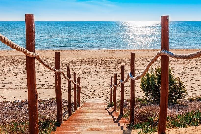 Praia dos 300 degraus - Verão italiano: Praias perto de Roma