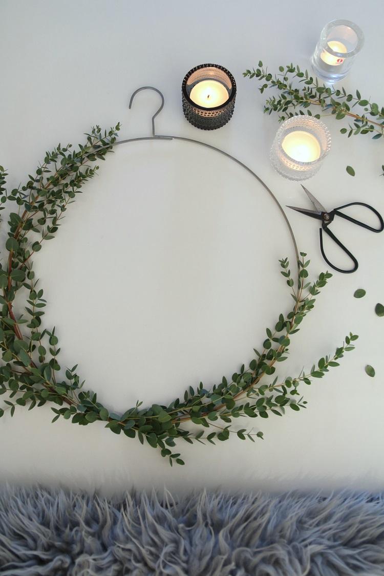 diy eukalyptuskranssi, eukalyptus, kranssi, joulu, jouluaskartelu