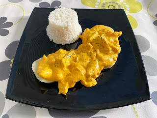 Chicken with yellow pepper sauce