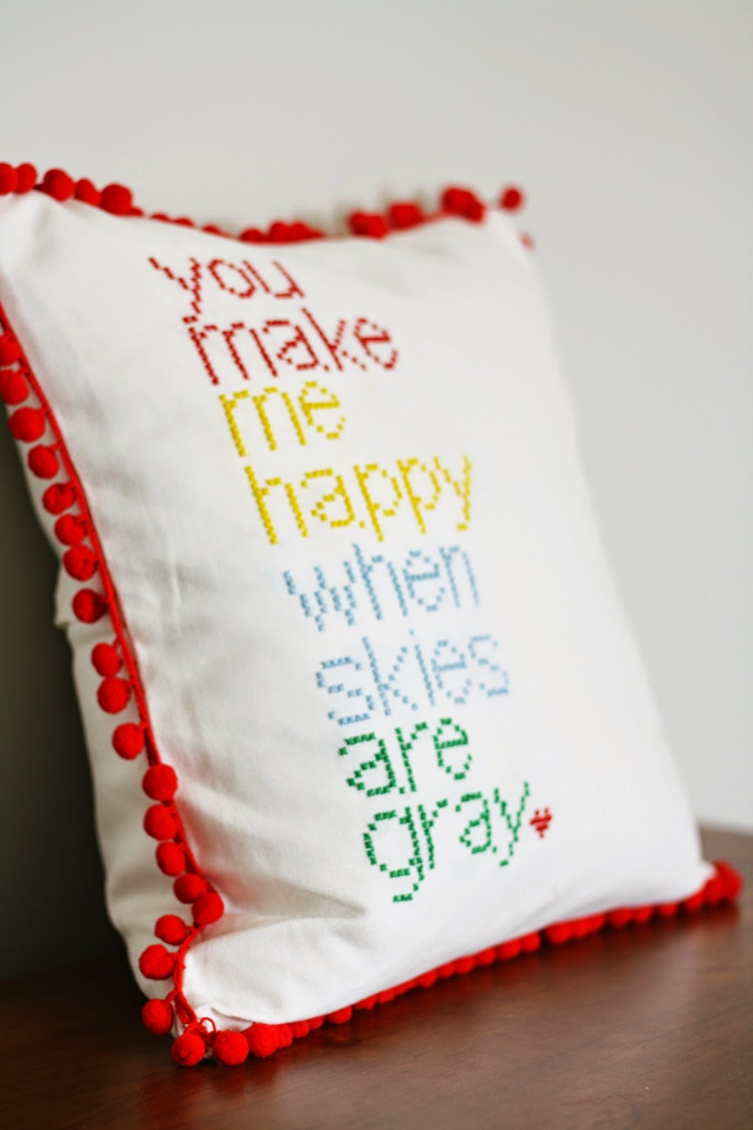 DIY Cross Stitch Pillow, a tutorial featured by top US craft blog, The Pretty Life Girls