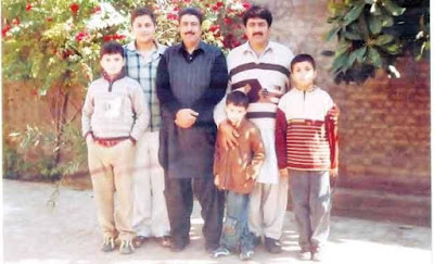 Family Photo Of shakeel