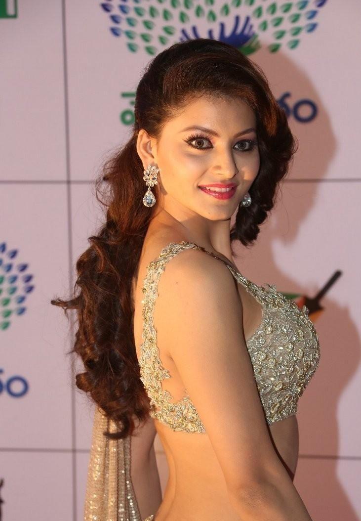 'Hate Story 4' actress Urvashi Rautela HD Wallpapers & Photos