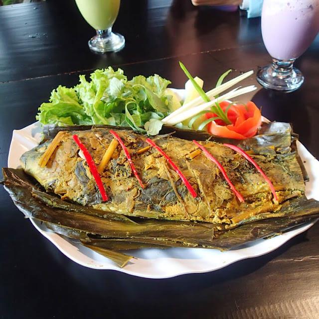 pepes ikan mas lembur sarerea, kuliner jakarta, halim perdanakusuma