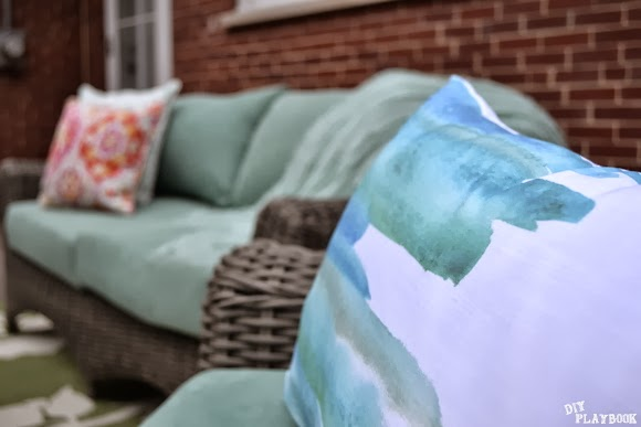 Love the beautiful blue, greens and grays on this throw pillow. It's like water color art!