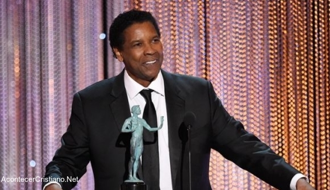 Denzel Washington en premiación de Hollywood