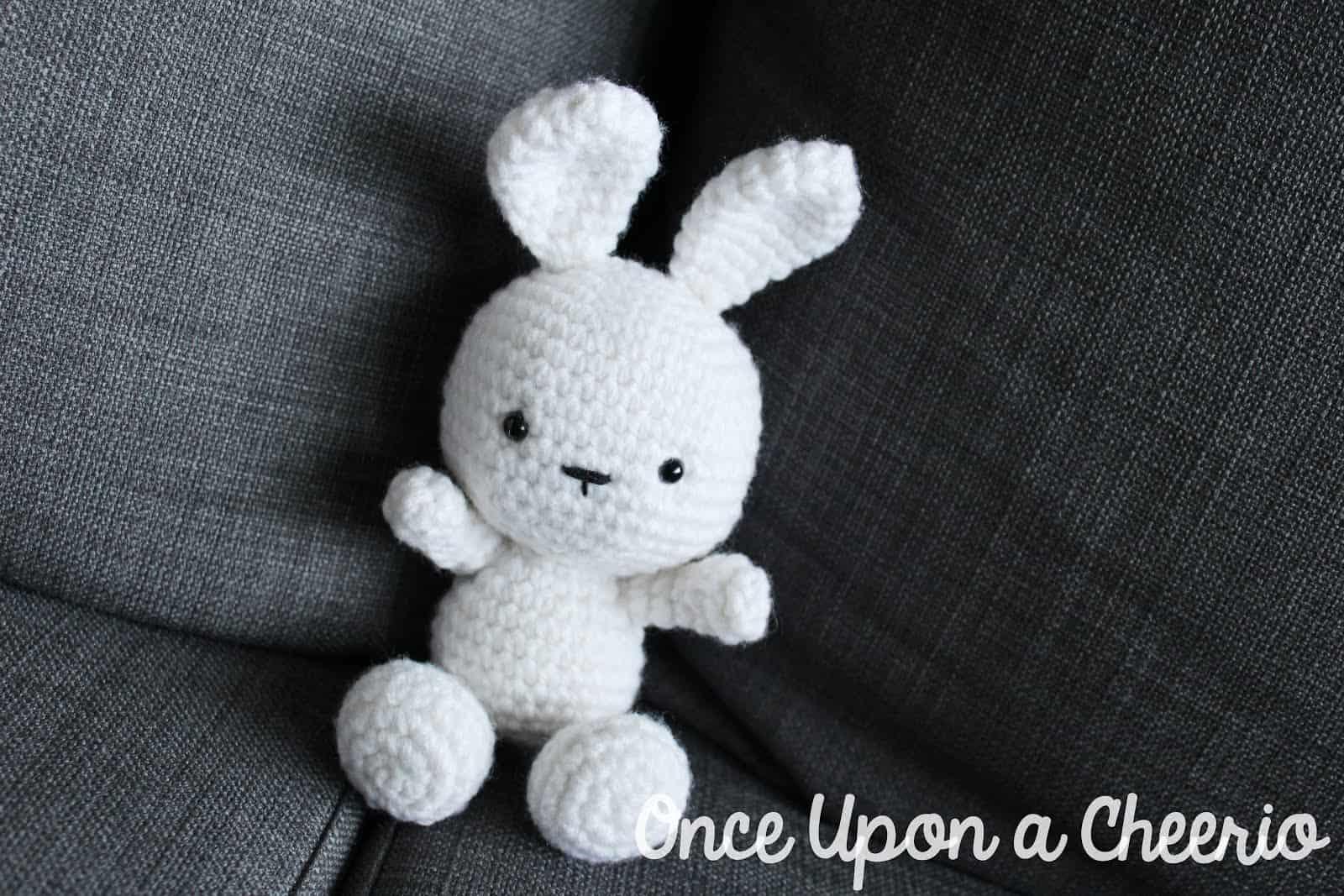 Classic Bunny Amigurumi FREE Crochet Pattern