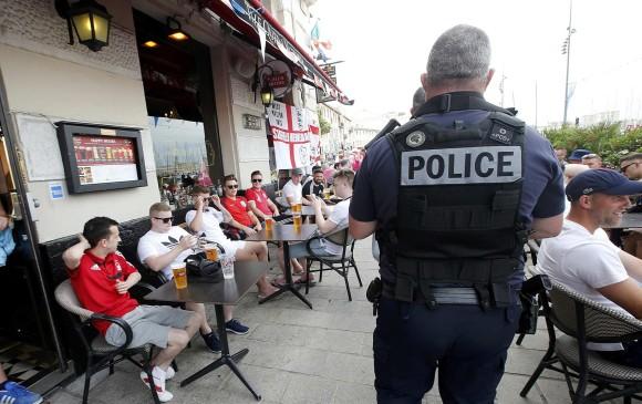 Francia prohíbe la #Euro2016 en bases y restaurantes
