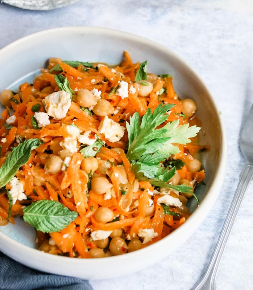 Karotten-Kichererbsen-Salat mit Feta