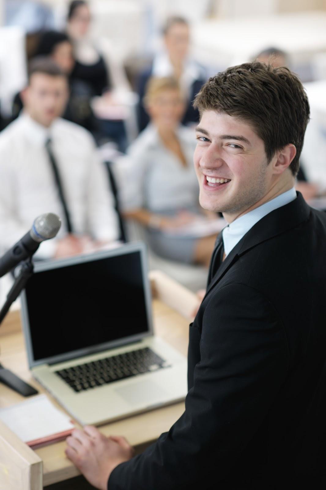 4 korzyści z mówienia do siebie przed prezentacją