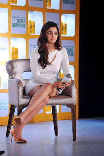alia bhatt white dress at fructis launch 8