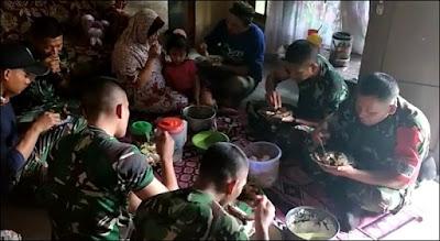 Mengintip Keseharian Prajurit Satgas TMMD Di Mojokerto