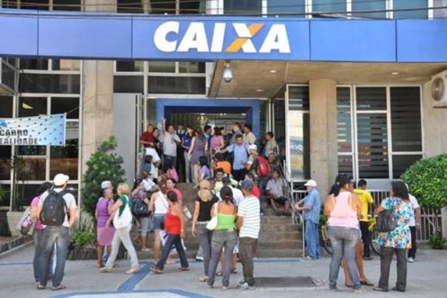 Em novo ataque aos trabalhadores, iniciativa do presidente determina que, exceto os caixas, demais funcionários de bancos terão de trabalhar por oito horas