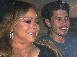 The neck on Mariah Carey these days though...(photos)
