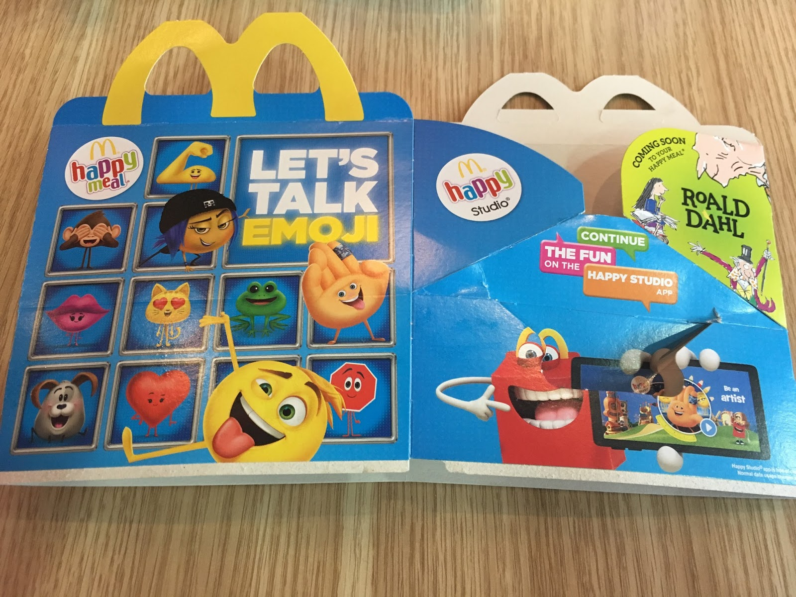 Préférence A Review A Day: Today's Review: The Emoji Movie Happy Meal Box OZ95