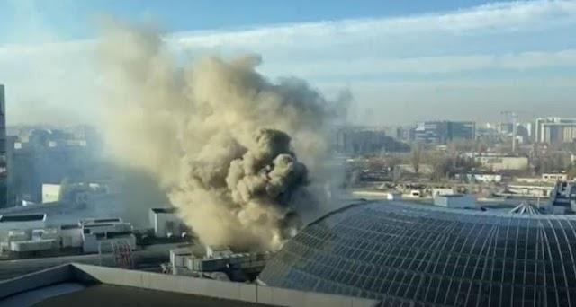 Incendiu la Mall AFI Cotroceni! Sute de persoane evacuate
